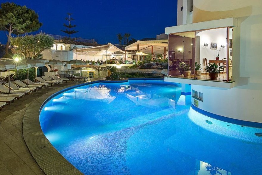 Un'immagine dell'hotel 5 categoria #5stelle #5category  Grand Hotel Punta Molino Beach Resort & Spa #Ischia #Napoli #Campania #italy: /1/0/1/2/4/1/home002.jpg
