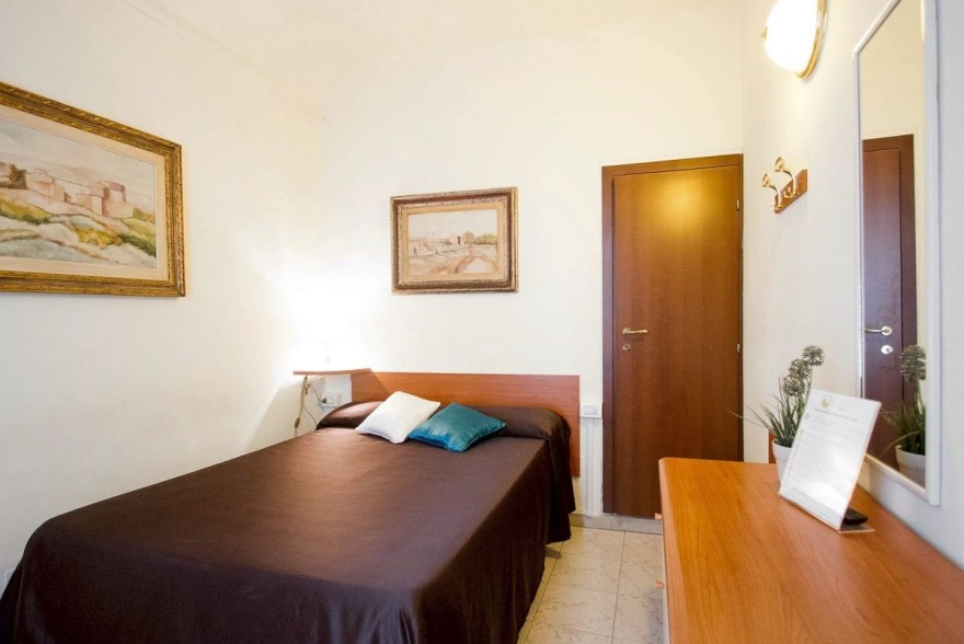Un'immagine dell'hotel 2 categoria #2stelle #2category  Hotel Maxim #Firenze #Firenze #Toscana #italy: /1/0/2/1/8/4/Single superior room 1.jpg