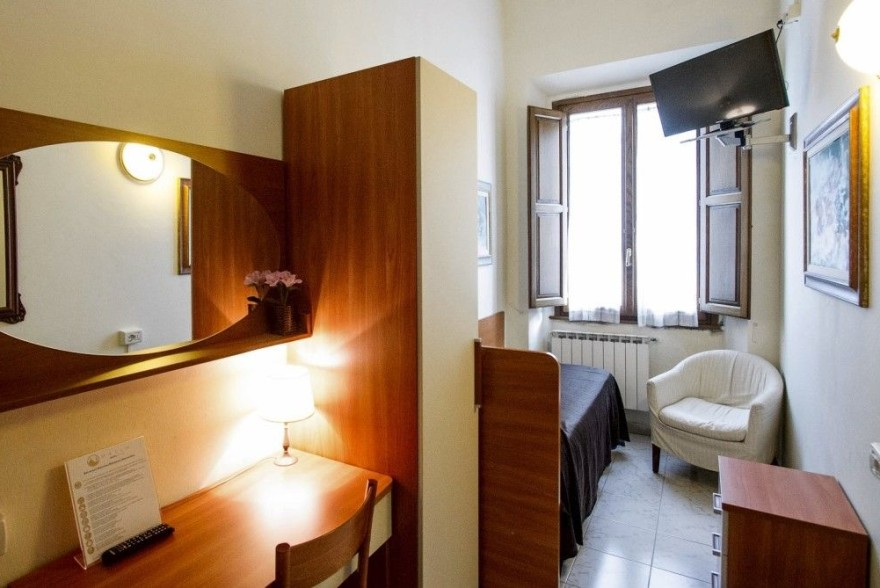 Un'immagine dell'hotel 2 categoria #2stelle #2category  Hotel Maxim #Firenze #Firenze #Toscana #italy: /1/0/2/1/8/4/single standard room 1024x669.jpg