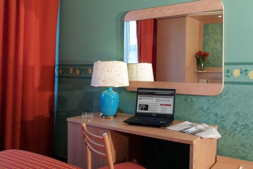 Un'immagine dell'hotel 3 categoria #3stelle #3category  Hotel Meridiana #Firenze #Firenze #Toscana #italy: /1/5/7/6/0/16.jpg