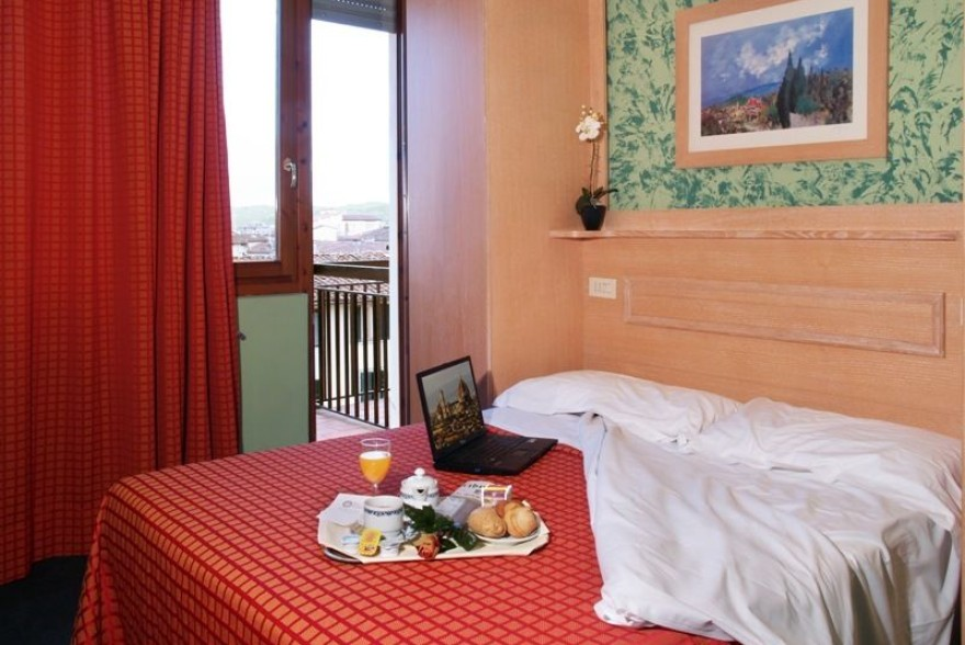 Un'immagine dell'hotel 3 categoria #3stelle #3category  Hotel Meridiana #Firenze #Firenze #Toscana #italy: /1/5/7/6/0/17.jpg